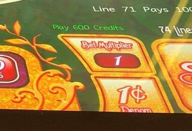 Denomination button slot machine Munchkinland