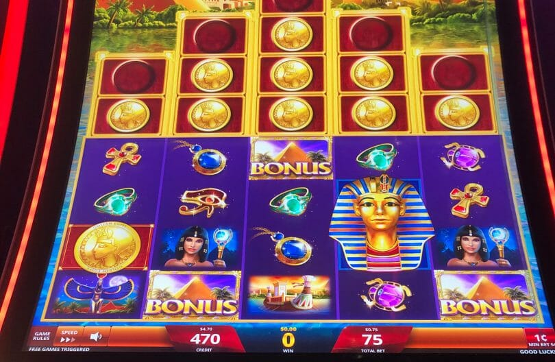 Golden Egypt Grand by IGT free spins triggered