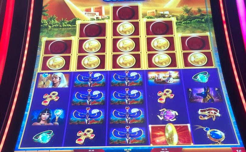 Golden Egypt Grand by IGT one missing coin