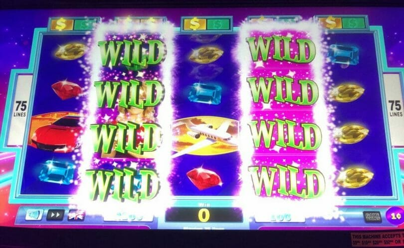 Wheel of Fortune 4D two wild reels