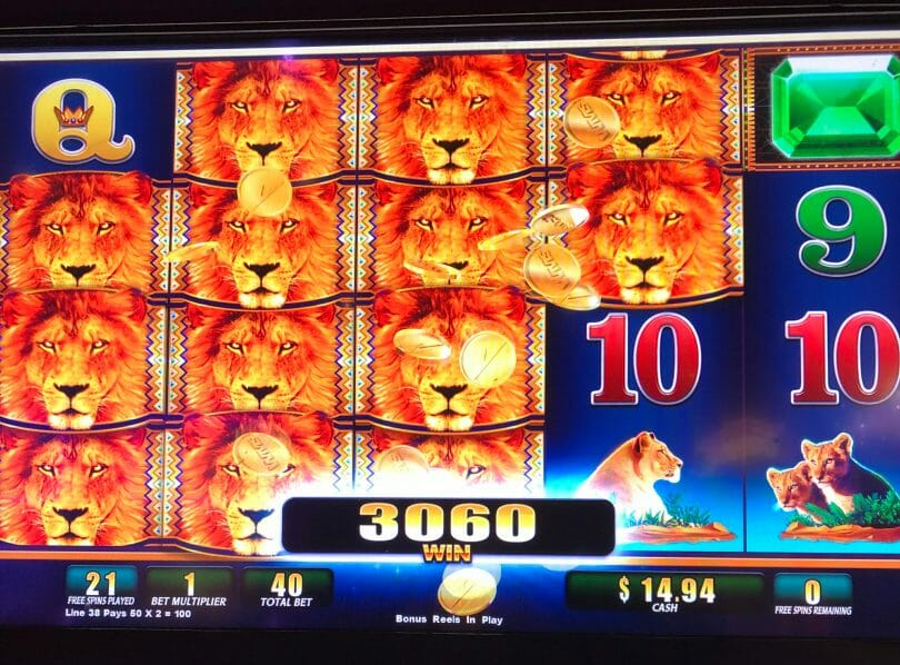 Hot Hot Penny 2 by WMS stacked lions