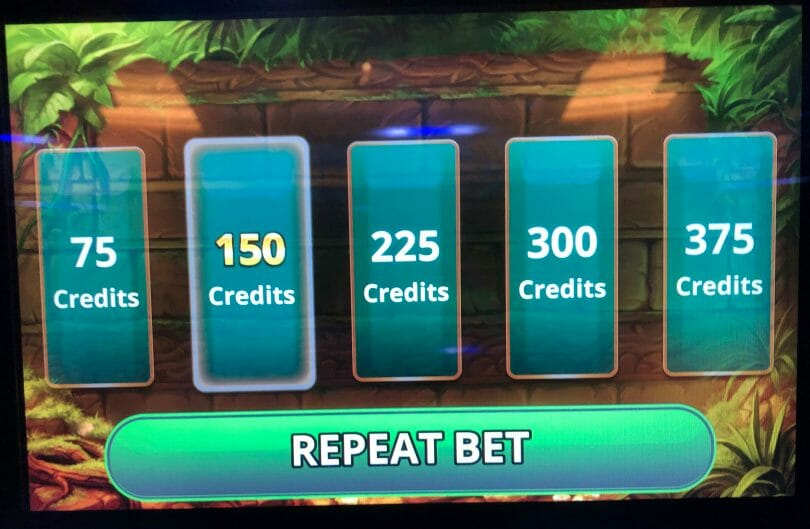 Golden Jungle Grand by IGT bet panel