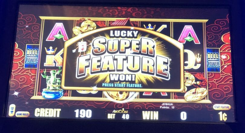 5 Frogs by Aristocrat super feature won