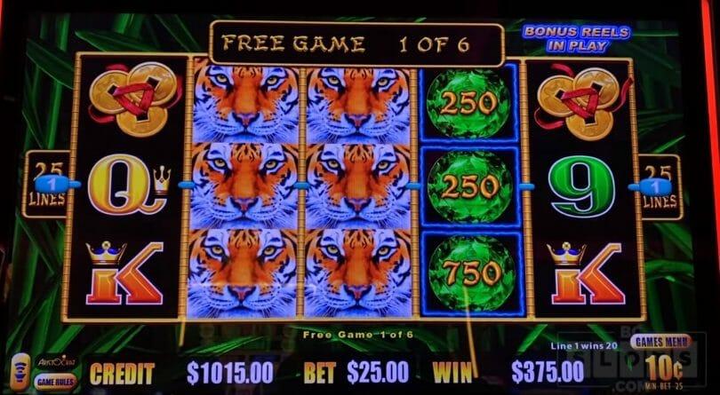 Lightning Link by Aristocrat Eyes of Fortune free spin bonus