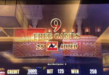Lightning Link by Aristocrat Sahara Gold free spin bonus