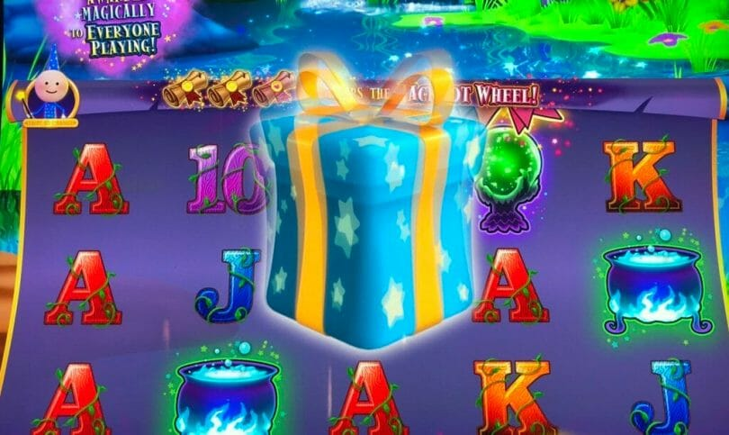 Cash Wizard World by Scientific Games Everybody Wins Community Bonus