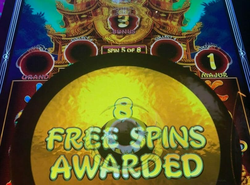 Happy 8s by IT free spins
