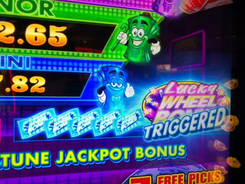 Dream Cash by Aruze Lucky Wheel Bonus Triggered
