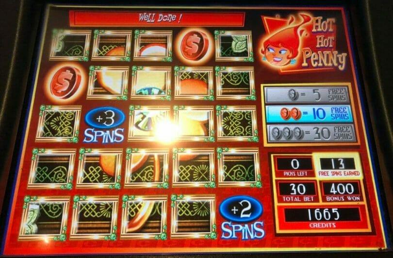 Hot Hot Penny Emerald Eyes by WMS bonus picks two pennies