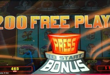 Invaders Return from the Planet Moolah by WMS 200 free plays awarded