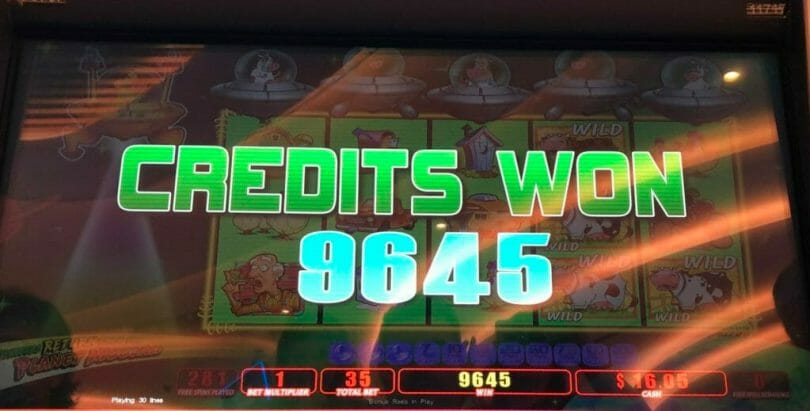 Invaders Return from the Planet Moolah by WMS 200 free plays outcome