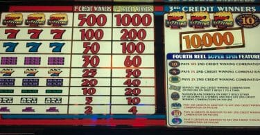 Super Spin Sizzling 7 by IGT pay table