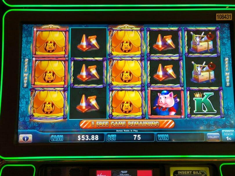 Huff n Puff by Scientific Games retrigger during bonus